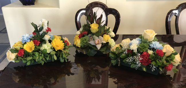 Table centerpieces for your dinner party.